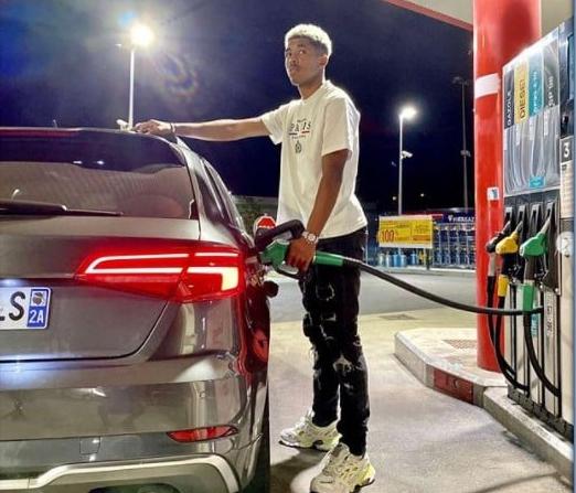 Wesley Fofana with his luxury car