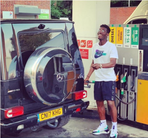 Yves Bissouma spoted fueling his car.