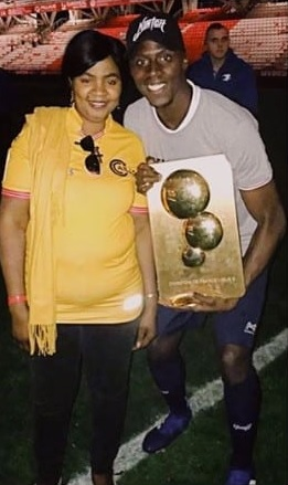 photo of mendy and his mother