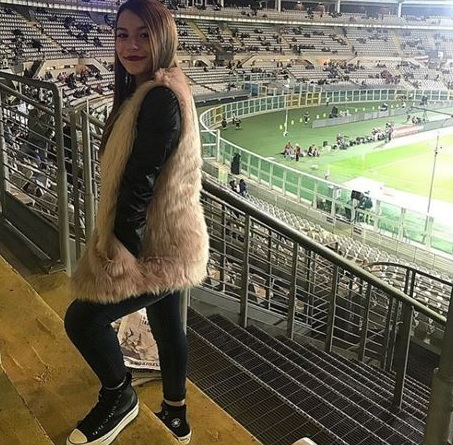 photo of the player's younger sister.